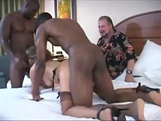 Husband clean up his wife (cuckold)